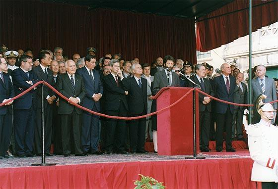 Il presidente della Repubblica Oscar Luigi Scalfaro inaugura piazza Ferretto