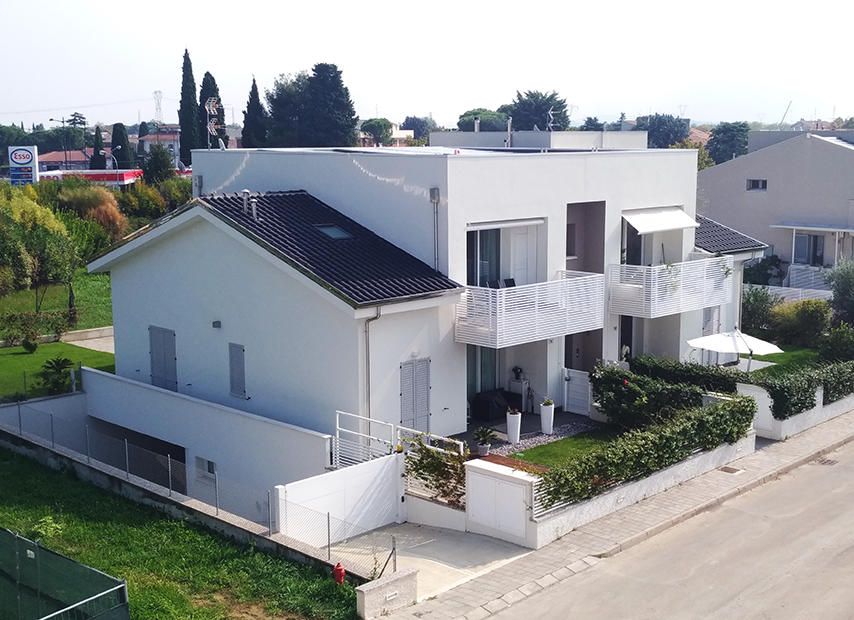 Edificio quadri familiare S1c vista dall'alto
